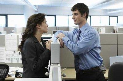 Sexe entre collègues est populaire aux Etats-Unis